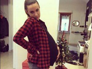 Melita Toniolo incinta.... per fints