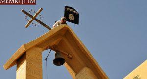 detay-isis-chiese-distrutte-e-bandiera-nera-sui-campanili-in-iraq-le-foto-choc-sul-web